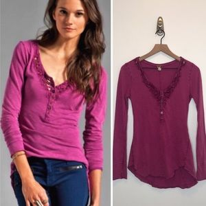 We the free Lou legacy magenta Henley small P16